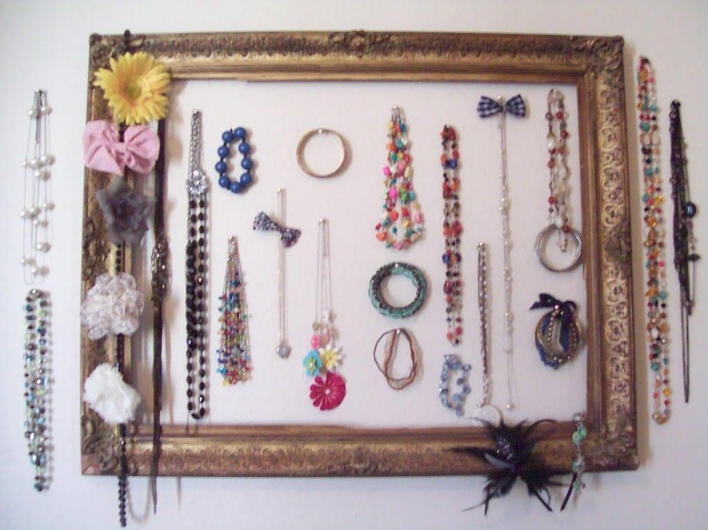 Picture Frame Jewelry Storage DIY