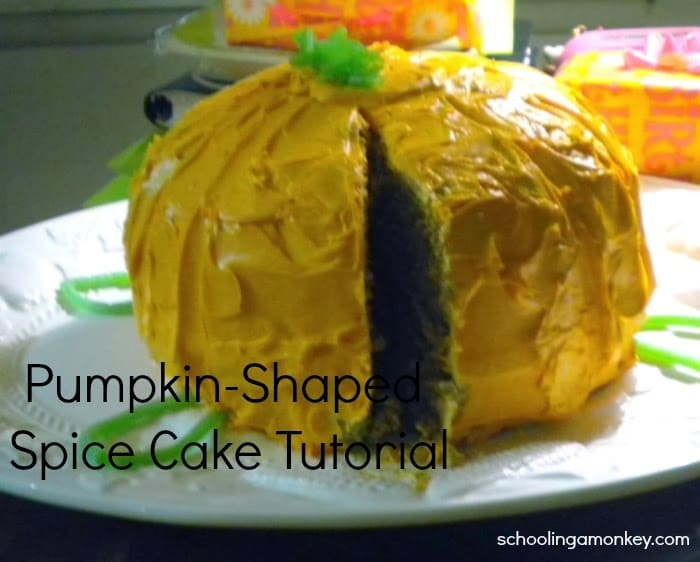 Thanksgiving Pumpkin-Spice Cake Tutorial