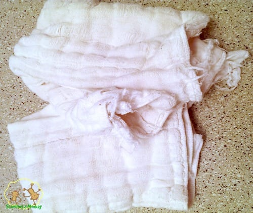 Thinking of cloth diapering a toddler? Here are some tips on how to use cloth diapers for toddlers. www.schoolingamonkey.com