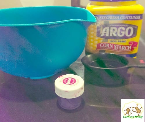 Looking for fun STEM activities for kids? Cornstarch quicksand is easy to make and teaches an interesting science lesson at the same time.