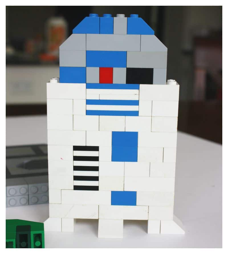 Love Star Wars? Don't miss this list of adorable DIY Star Wars craft ideas for kids and adults! Perfect for a Star Wars Party and Star Wars party favors!