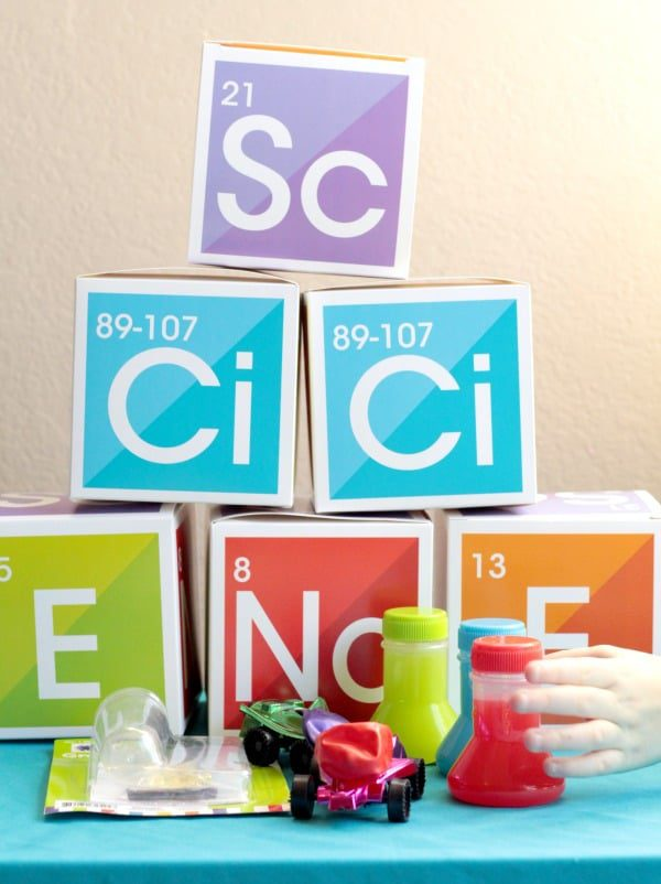 If your kids love science, then they will love hosting their very own science party! Kids will love this simple, adorable party theme!