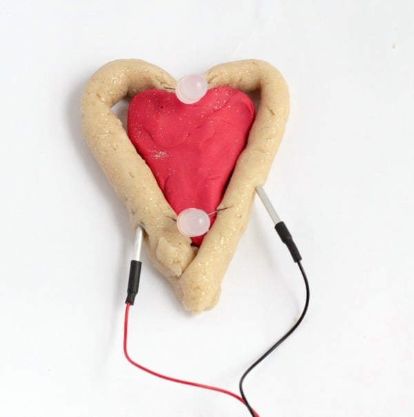 Kids will love this fun Valentine's Day STEM activity featuring Squishy Circuits! Learn all about circuits this Valentine's Day!