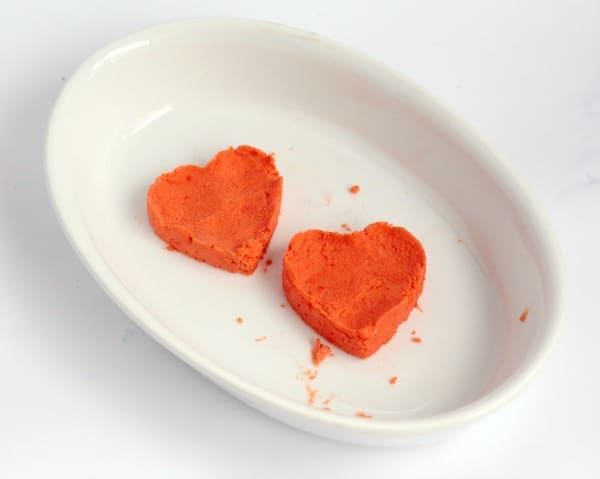 Transform classic baking soda science into something fit for Valentine's Day with these super-fun fizzing hearts reactions!