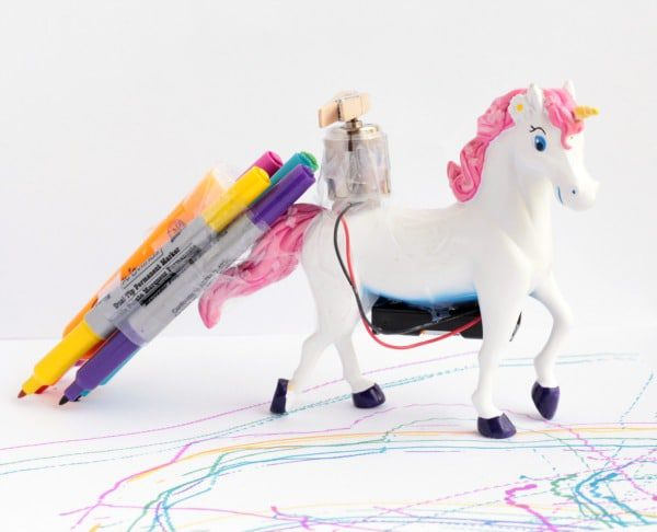 Unicorns and rainbows go together like peanut butter and jelly. Now you can add STEM to the mix by making a unicorn scribble bot that draws rainbows!