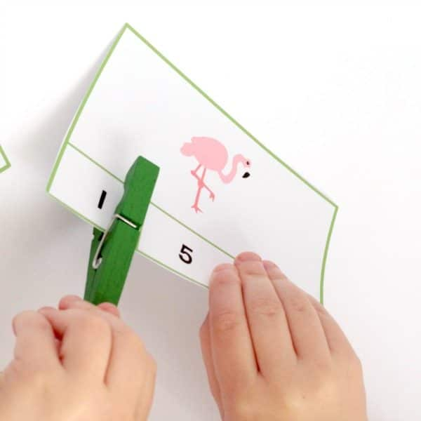 If your kids love the zoo, then they will love these zoo counting clip cards! Help kids learn to count from 1-10 in a math learning center!