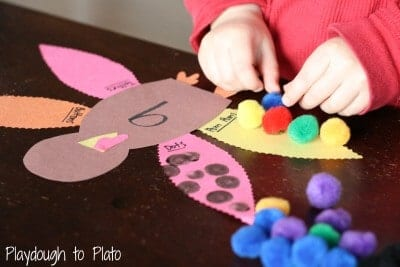 Kids will love these Thanksgiving crafts and Thanksgiving activities that are perfect for a Thanksgiving theme, classroom activities, or home!