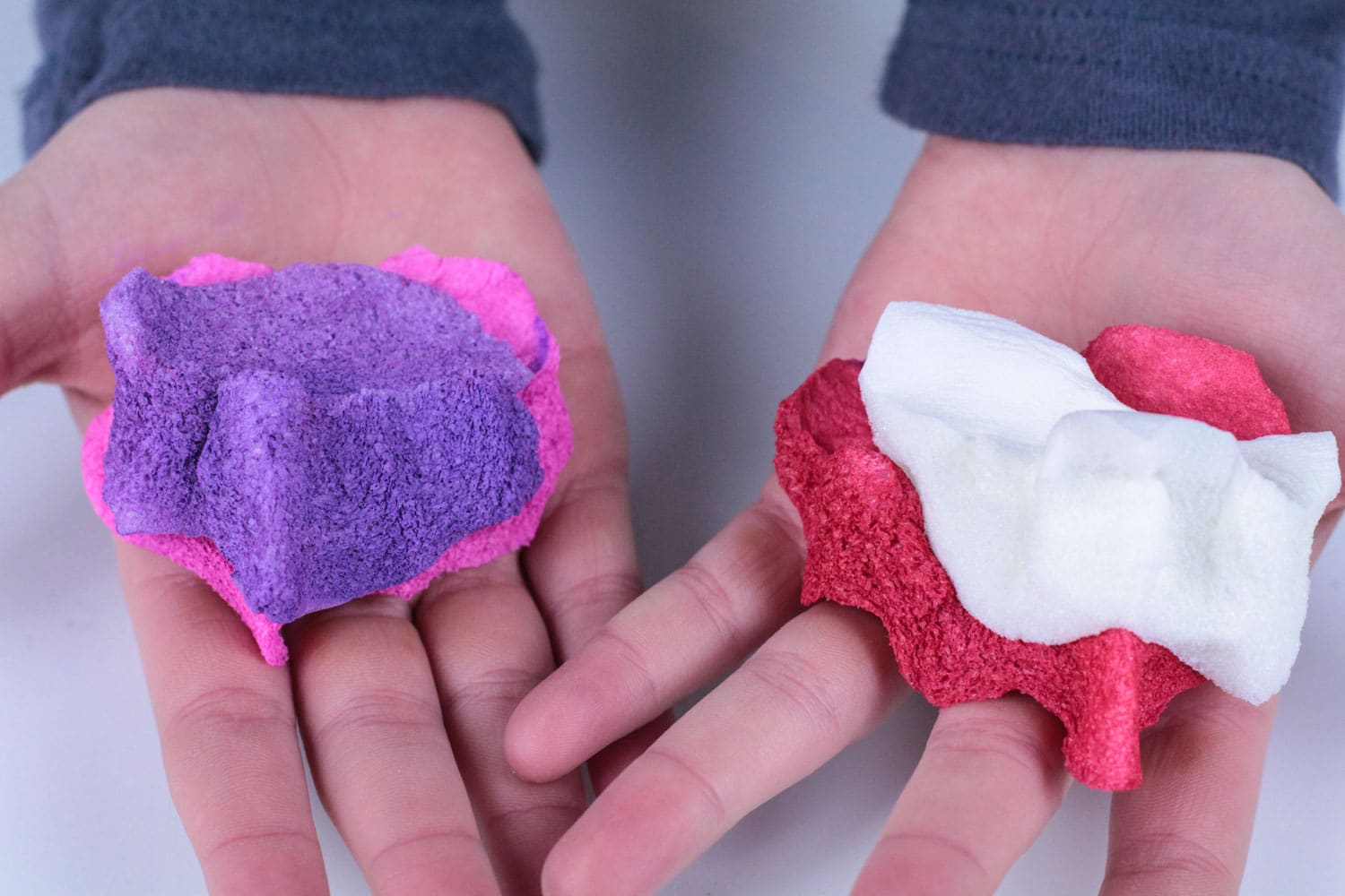 Looking for non-candy valentines? The DIY heart valentine squishy is the perfect valentine craft to make for your classmates! These DIY squishies will provide endless fun!