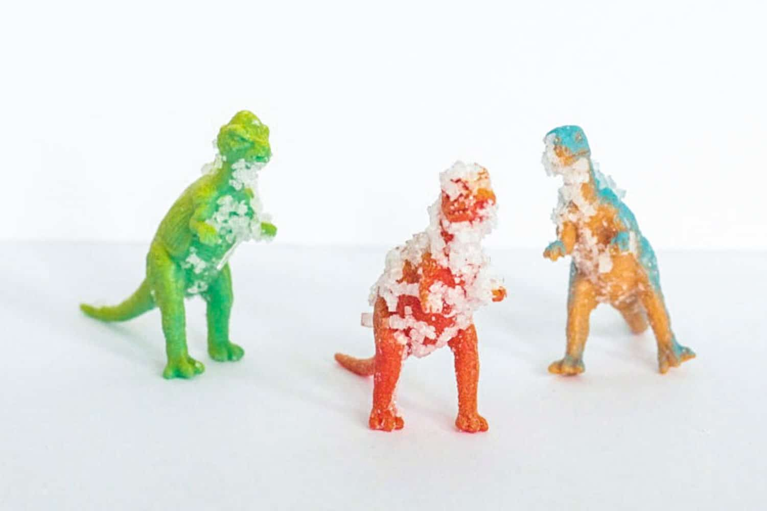 Learning with dinosaurs is so much fun. Use this science experiment to learn about salt crystals using dinosaurs! The dinosaur salt crystal science experiment is a fun learning activity for preschoolers and kindergarten.