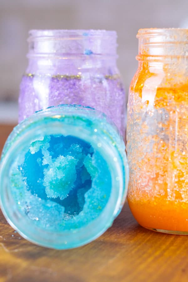 When it comes to kids science experiments, the key is to make them fun! Make the galaxy sugar crystal science experiment in your class to make your science lessons fun and memorable. Kids will love these space-themed and edible crystal science. Science activities will soon become a favorite in your class! #scienceexperiment #science #stem #stemed #galaxy #space #kidsactivities