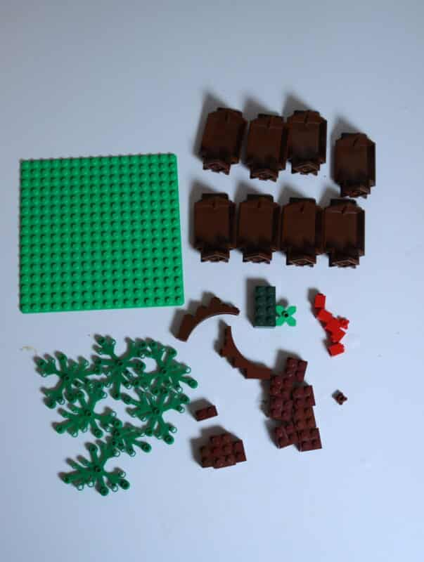 supplies to make a tree life cycle from lego