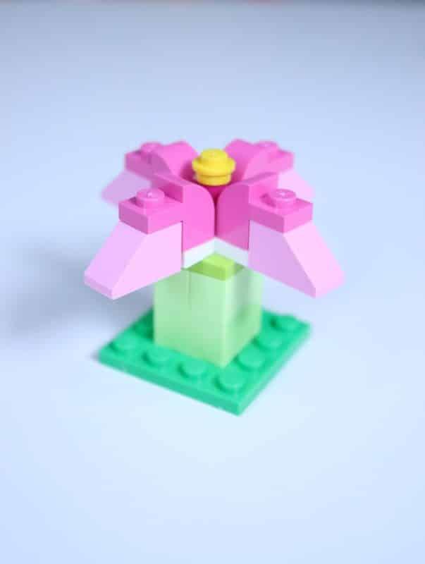 rosa Lego-Blume